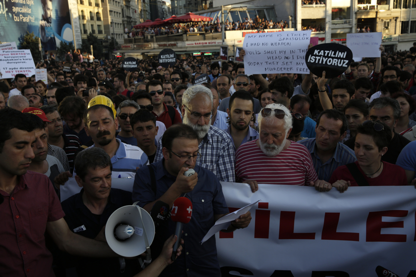 https://www.edouphoto.com/files/gimgs/31_0011istanbulprotestsedoujune25smallprotest0339.jpg